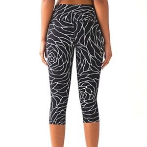 Lululemon Wunder Under Hi-Rise Luxtreme Black Rose